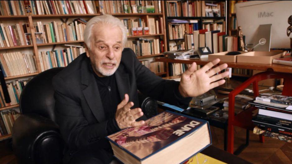 Alexandro Jodorowsky e o livro gigantesco com o projeto de Duna.
